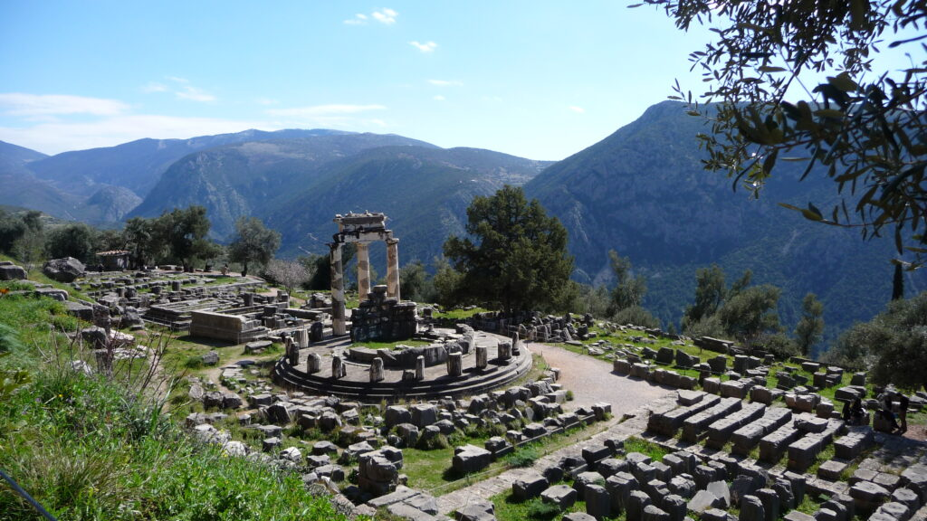 One day Delphi tour Greece