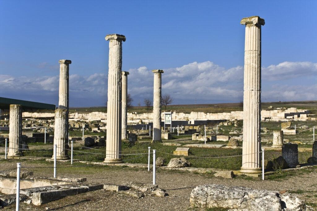 7 days grand tour of Greece (Nauplia-Mycenae-Epidaurus-Olympia-Delphi-Kalampaka-Meteora-Dion-Thessaloniki-Vergina-Pella-Tempi Valley-Larissa-LamiaThermopylae)